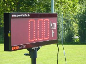 Aufblasbare Tore mit Bannern, Schussgeschwindigkeitsmessung Fußball