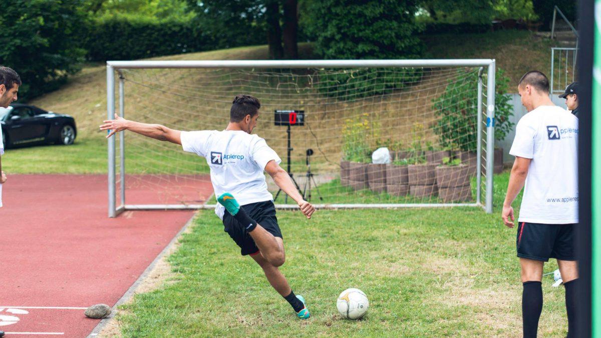Schussgeschwindigkeit im Fußball messen