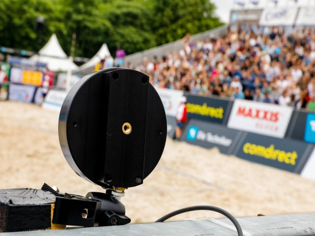 beachvolleyball-speed presenting- sponsoring comdirect-radar sensor