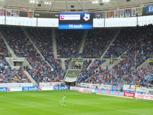 Geschwindigkeitspresenting TSG Hoffenheim Stadion Anzeige