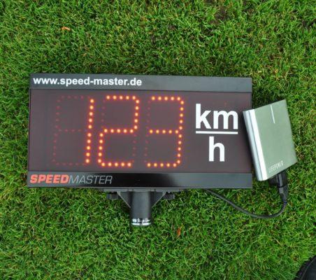 Mobile Geschwindigkeitsmessanlage mit Akku
