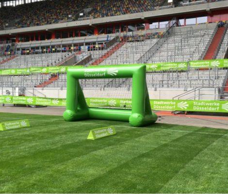 Speedmaster Fußball Bundesliga Fortuna Düsseldorf Eventvariante Geschwindigkeitsmessung aufblasbares Tor