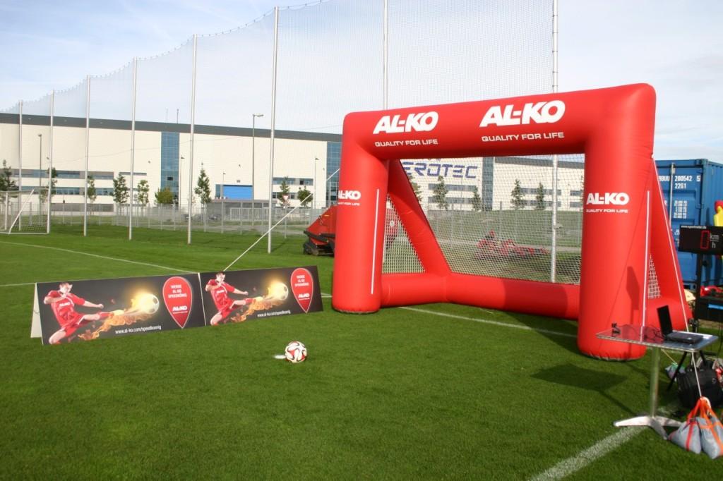 Aufblasbares Tor mit Druck_FC Augsburg_Sponsoring Alko
