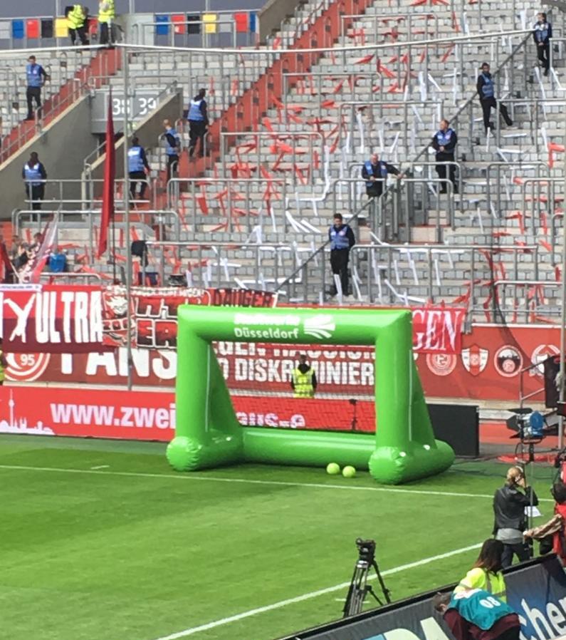 Aufblasbares Tor für Halbzeitaktivierung_Fortuna Düsseldorf