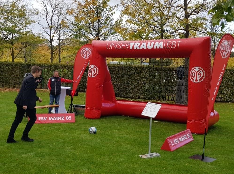 Aufblasbares Tor mit Druck_FSV Mainz 05